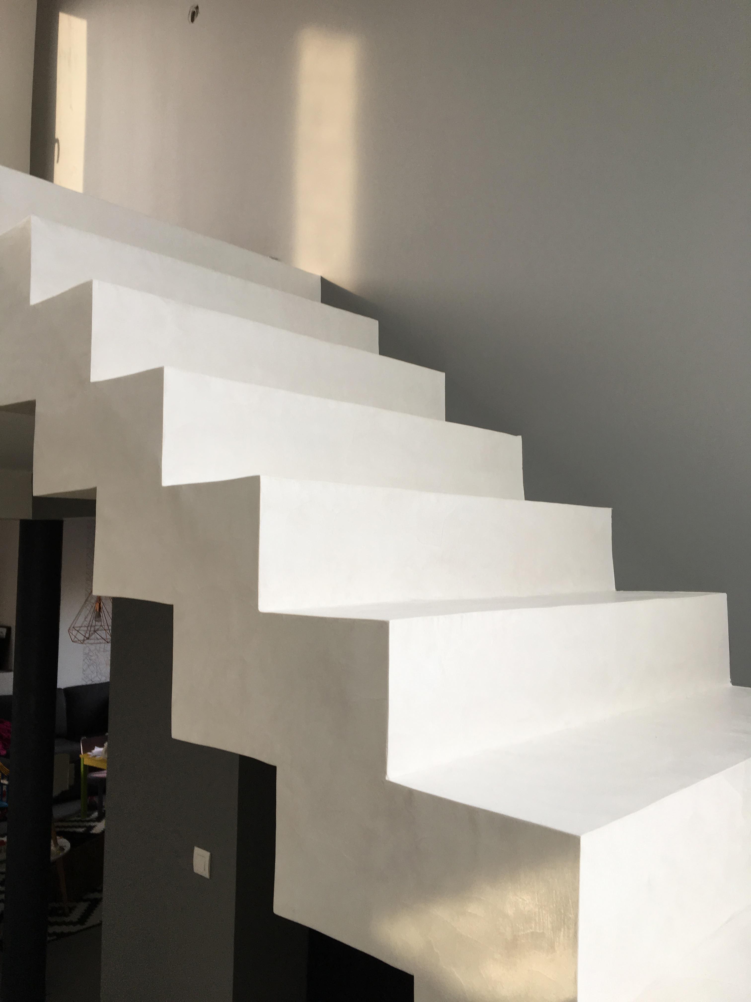 Mercadier-escalier-beton-cire-EBC-couleur-cocomilk-2 – Beton ...
